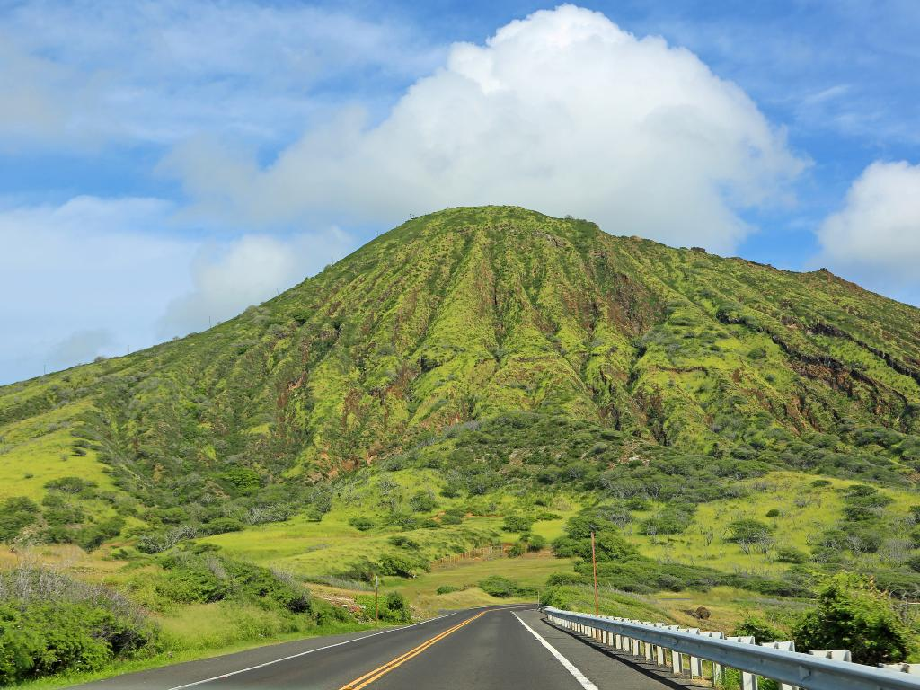 Scenic road looping around the Koko Crater on Oahu Island in Hawaii.