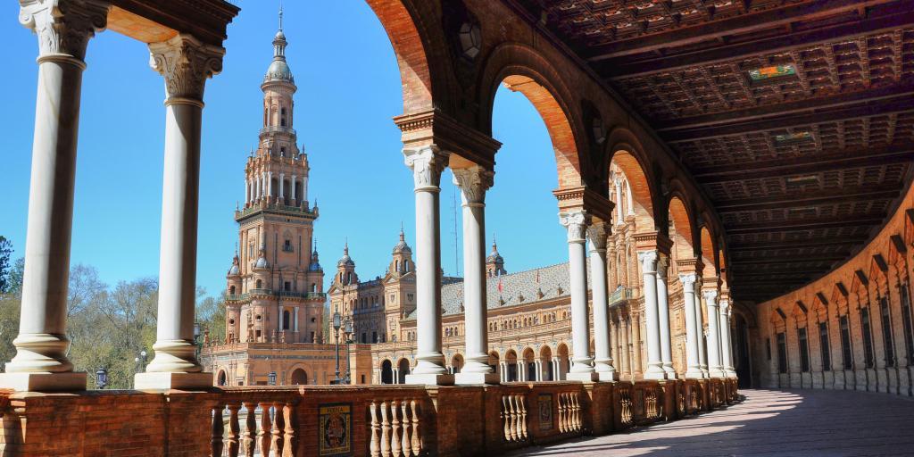 Amazing architecture of the Plaza de España in Seville