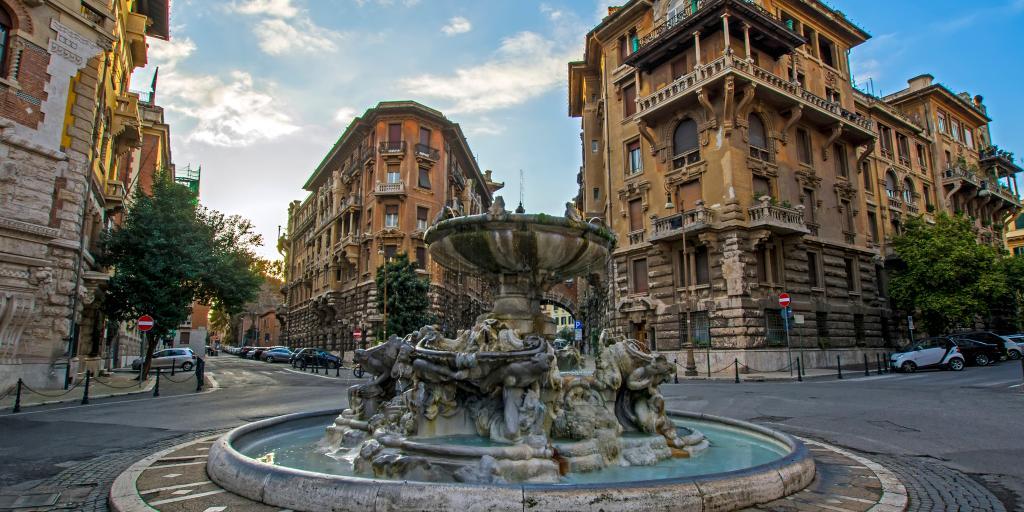Fountain of the Frogs in Quartiere Coppedè, Rome