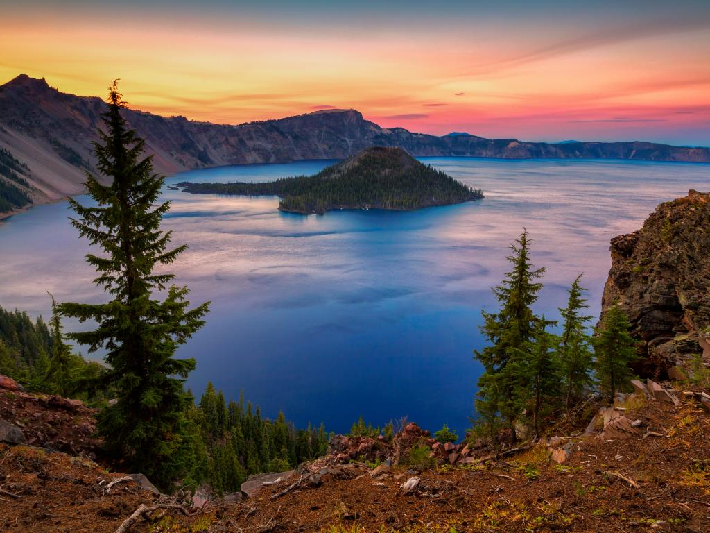 Wizard Island in the Crater Lake National Park in Oregon, USA.
