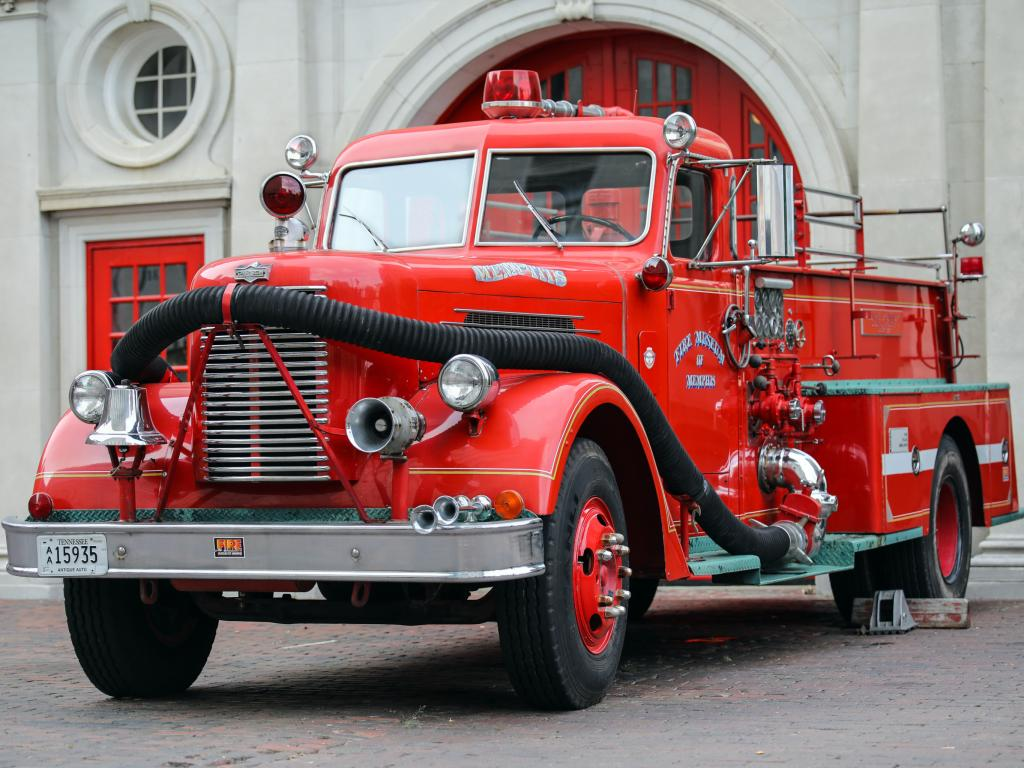 Old fire truck outside the Memphis Fire Museum