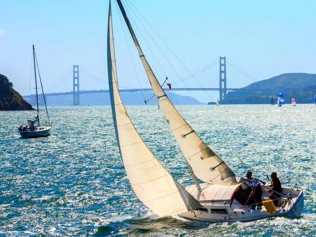 Sailing boats in San Francisco Bay between Angel Island and Tiburon