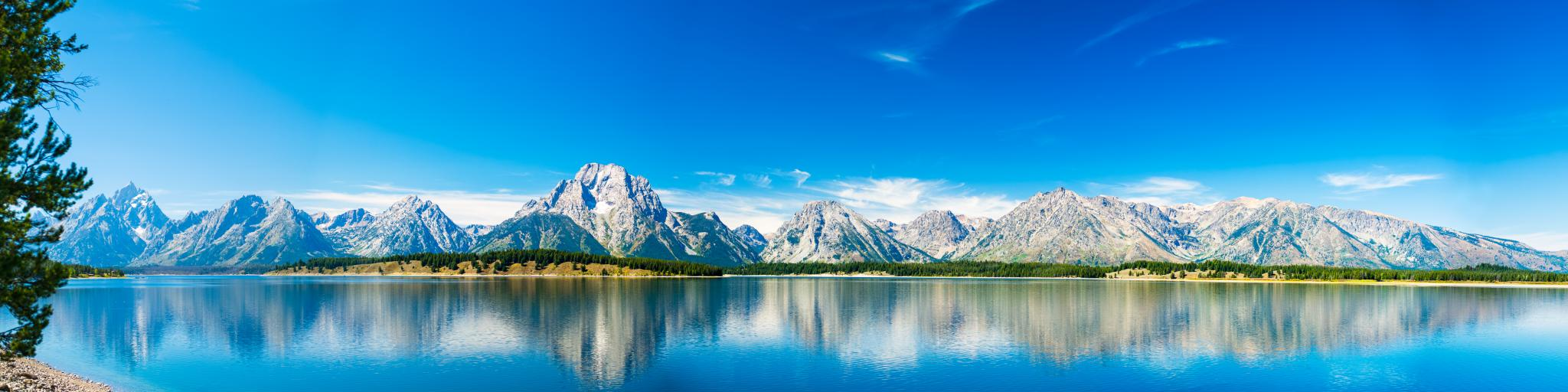 The Grand Teton National Park is a perfect destination for driving in Wyoming.