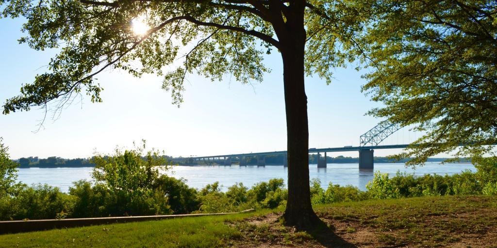 A view of the Mississippi from a park in Memphis on a sunny summer day