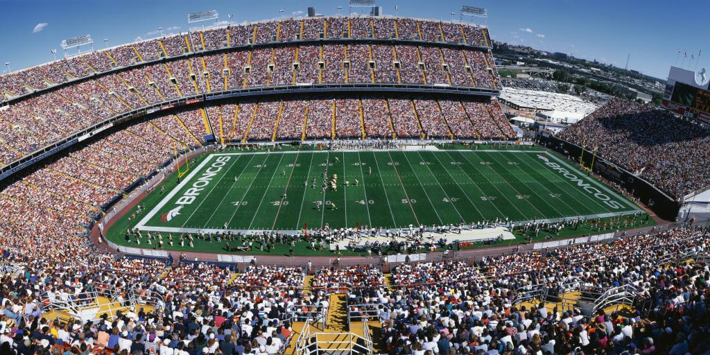 Mile High Stadium in Denver - Denver Broncos playing St. Louis Rams in the NFL