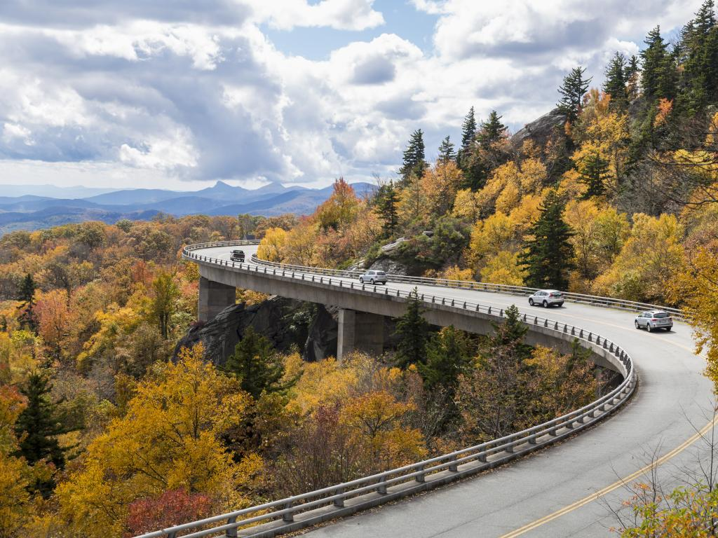 The Car Rules road trip game will keep you thinking in case you go over a bridge or pass a yellow car on the way.