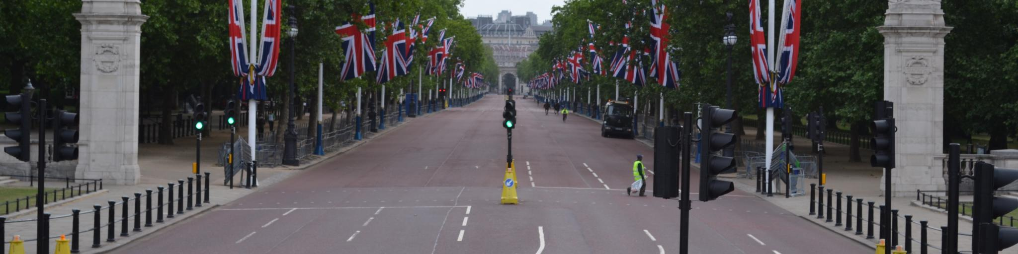 The Mall, which connects Trafalgar Square and Buckingham Palace, is one of the most important streets in London