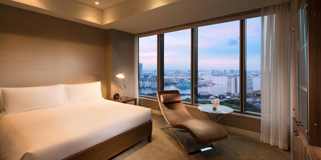Luxurious bedroom in the Conrad Tokyo Hotel