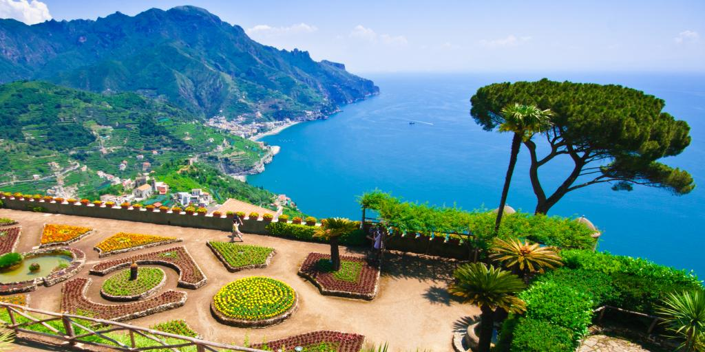 Villa Rufolo overlooking the sea in Ravello