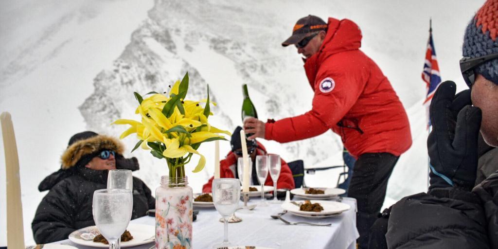 Everest dinner