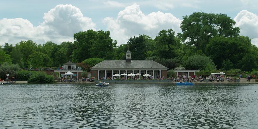The Serpentine Bar & Kitchen over the lake in Hyde Park