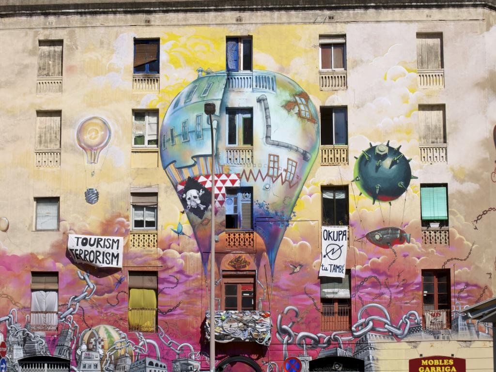 La Carboneria - a unique squatter sight with amazing graffiti in Barcelona