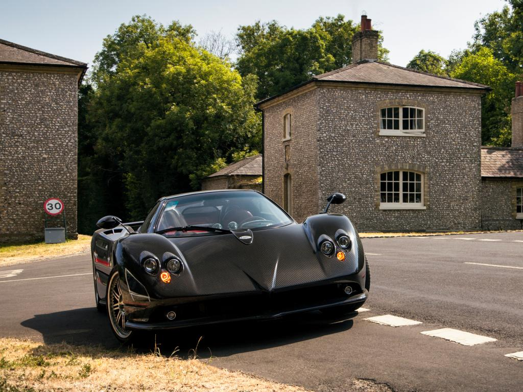 You have to be quick if you spot a dream car on your road trip to win the One Car game.