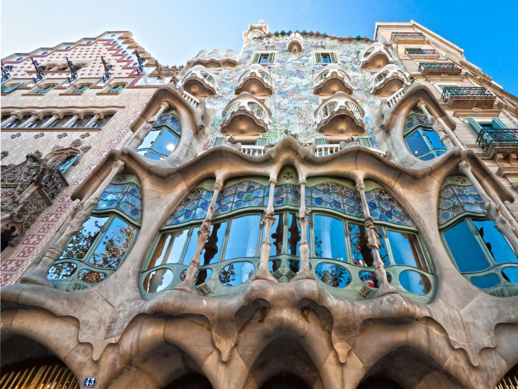 Casa Battlo facade in Barcelona, before the start of the road trip