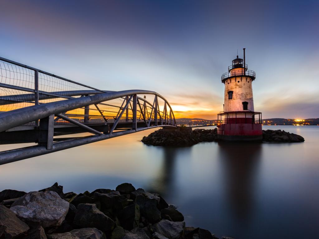Sleepy Hollow Lighthouse at dusk