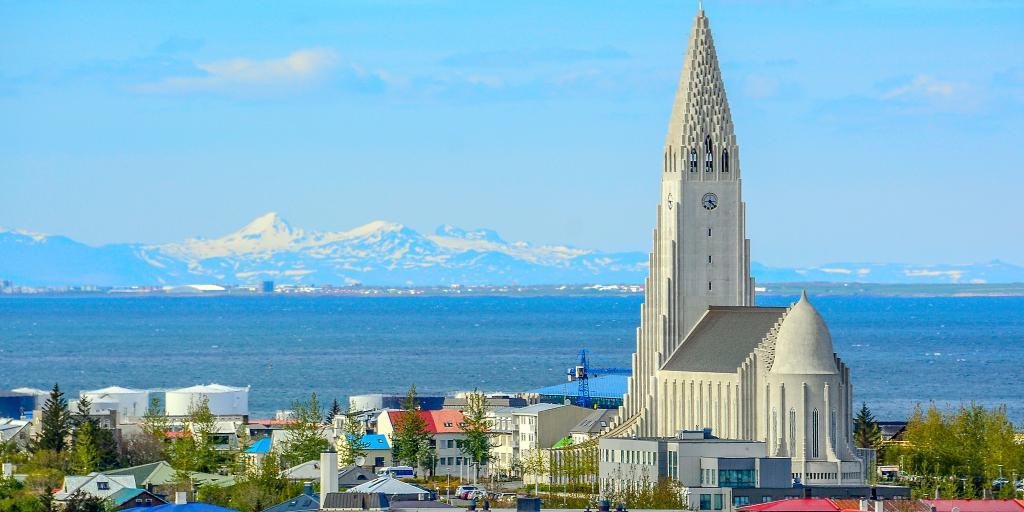 Hallgrímskirkja towering over the streets of Reykjavik