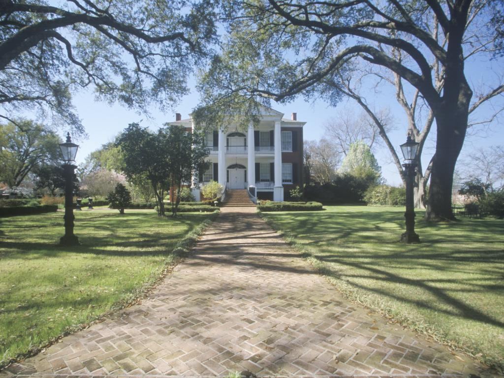 The historic Rosalie Mansion in southern Natchez, Mississippi
