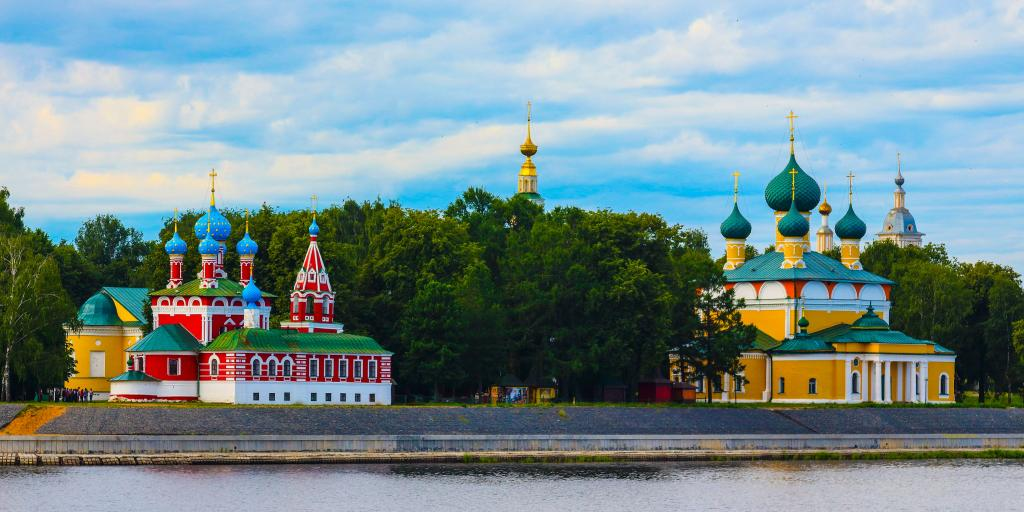 The red church of Tsarevitch Dmitry to the left and the yellow Transfiguration Cathedral to the right, Uglich, Russi