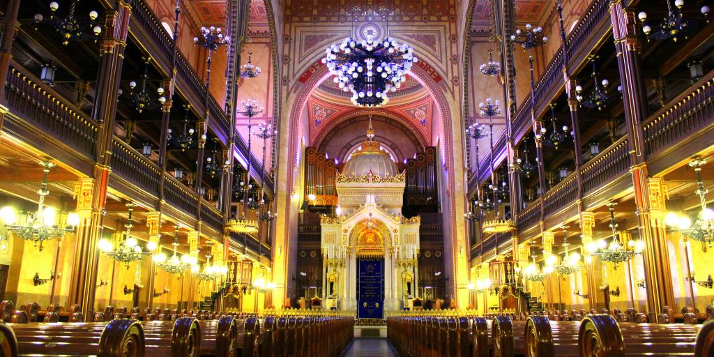 Central aisle in the Great Synagogue, Budapest