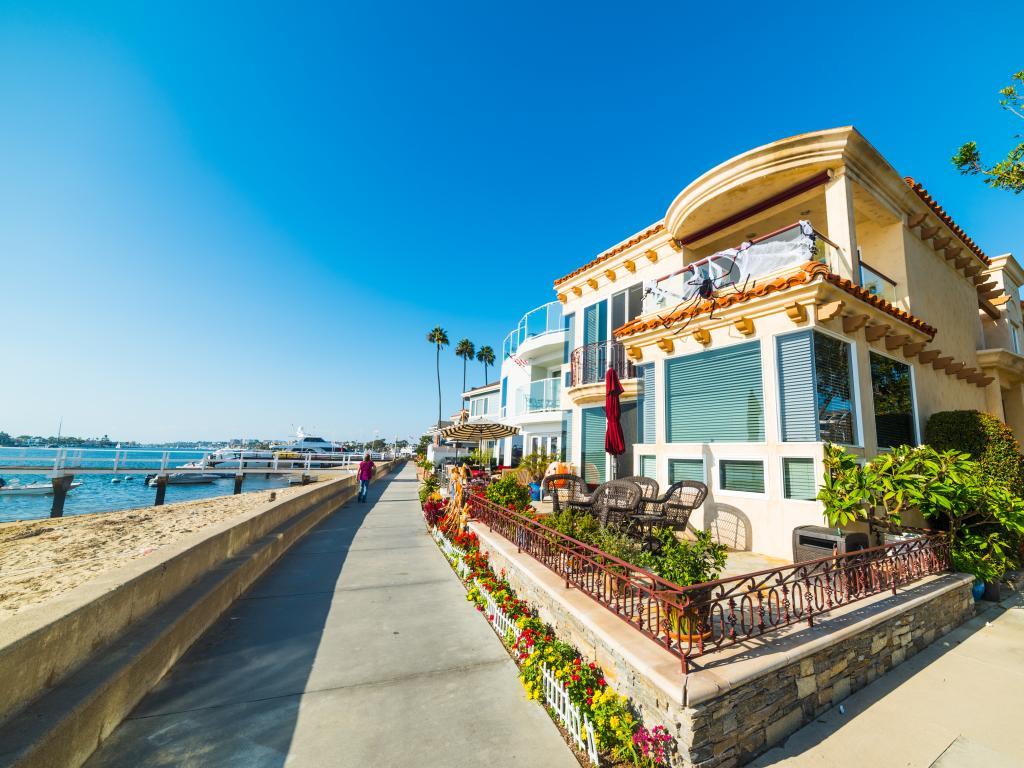 The beautiful sea-facing houses on Balboa Island in Newport Beach, California