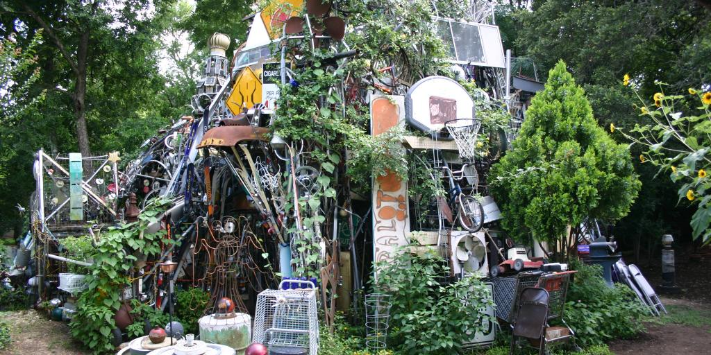 Cathedral of Junk, Austin with leaves growing on the outside