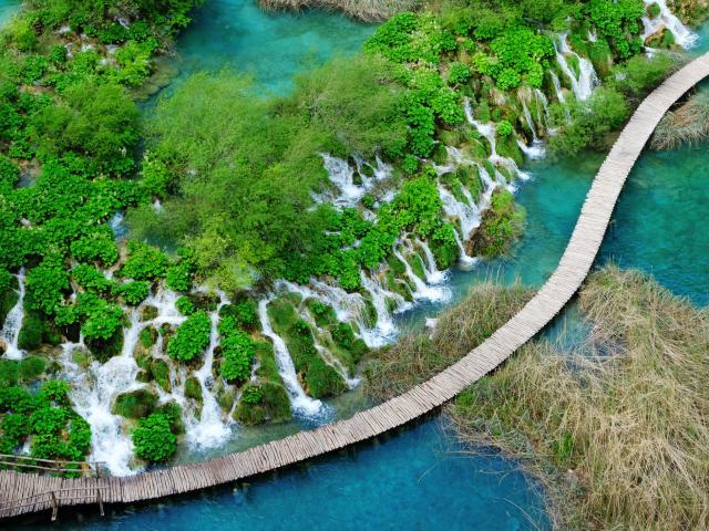 Croatia road trip pis stop at Plitvice Lakes National Park