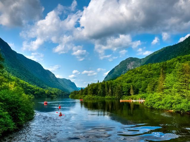 Quebec road trip through mountains and lakes